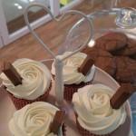Cupcakes de chocolate con chocolate blanco
